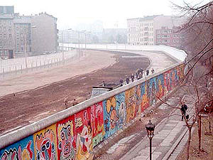 The Berlin Wall, in 1986 (Wall photos courtesy Wikipedia)