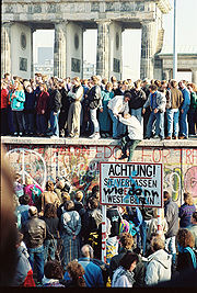 berlin_wall_nov10_86